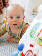 Gazy u noworodka – objawy, przyczyny i leczenie