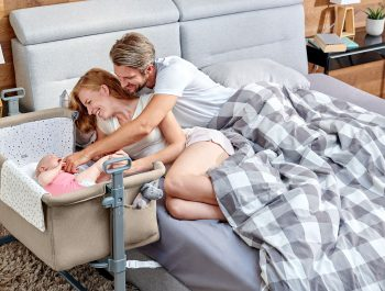 Komfortowe łóżeczko dostawne dla maluszka gdy chcesz odpocząć?